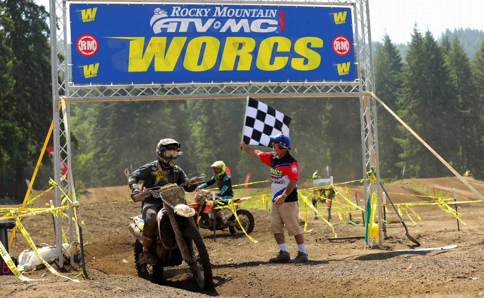 2019-08-thad-duvall-finish-bike-worcs-racing