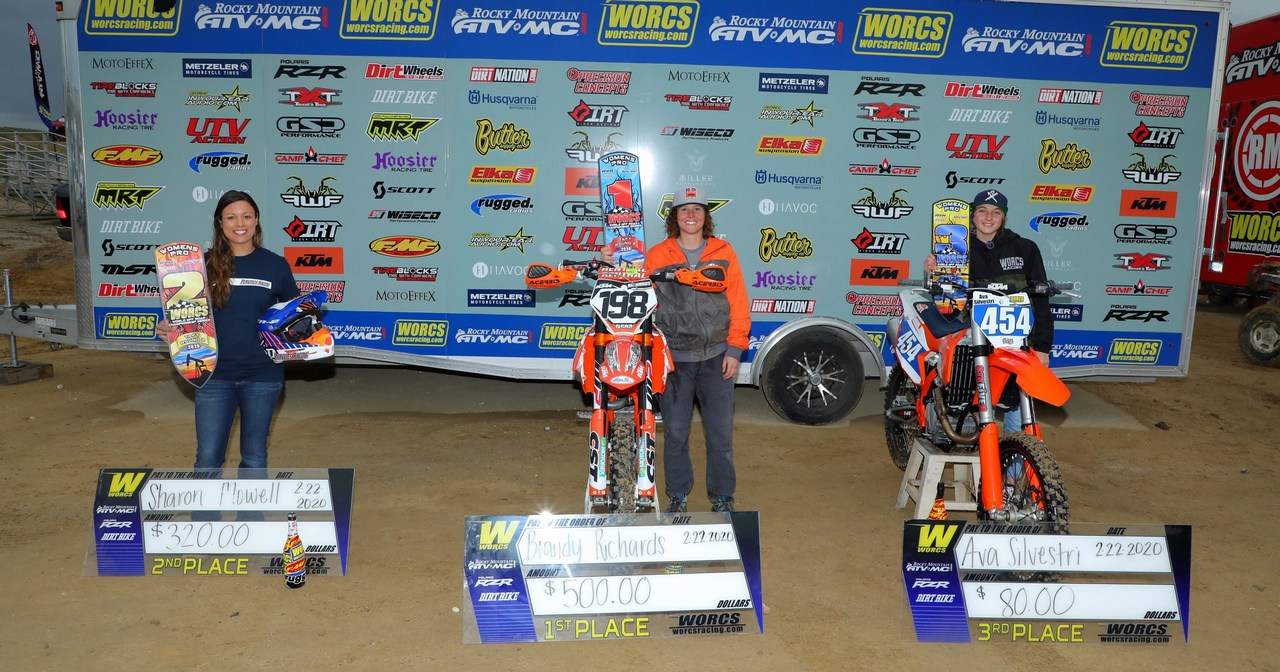 2020-bike-02-podium-women-worcs-racing